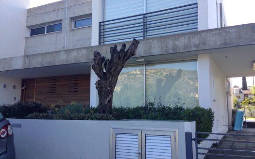 Modern 4 bedroom house for sale