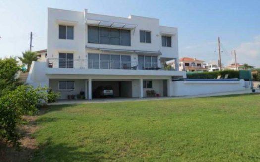5 Bedroom villa for rent