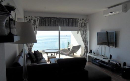 2 bedroom apartment on the sea front
