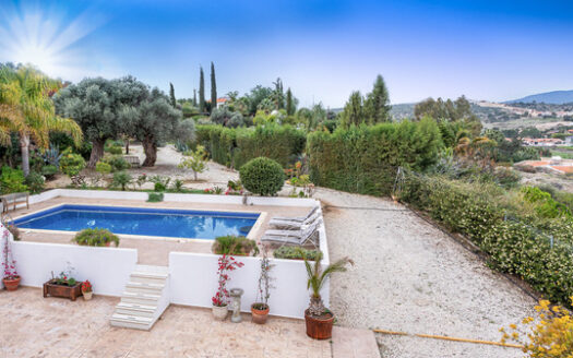 4 Bedroom house in Pyrgos for sale