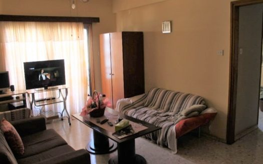 2 Bedroom apartment for sale close to the beach