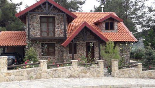 Cozy 3 bedroom villa for rent in a calm area