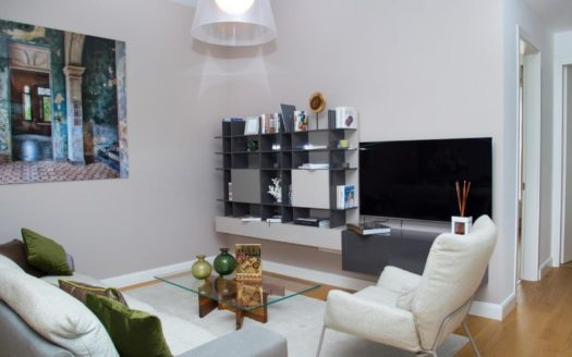 Spacious 3 bedroom apartment for sale