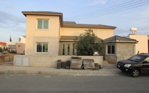 Beautiful 5 bedroom villa for sale