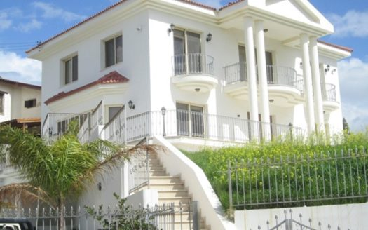 5 Bedroom house with sea view for rent