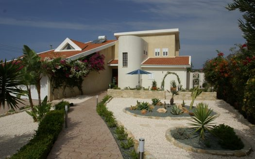 Luxury 4 Bedroom Villa In Pissouri