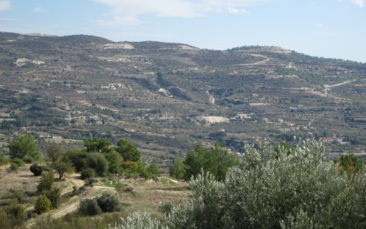 Plot for sale in Lania