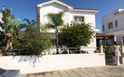 3 Bedroom Villa for Rent in Konia