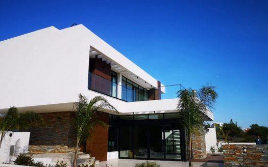 Brand new 3 bedroom villa for rent