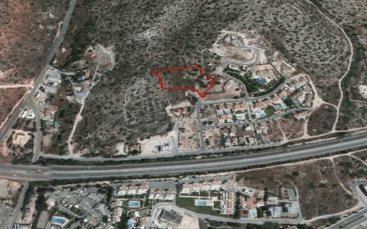 Big Plot of Land in Pareklisia