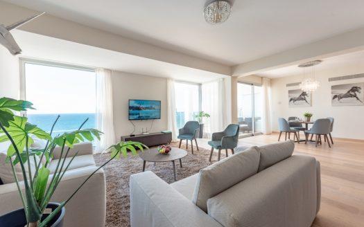 Luxury beachfront 2 bedroom apartment for rent