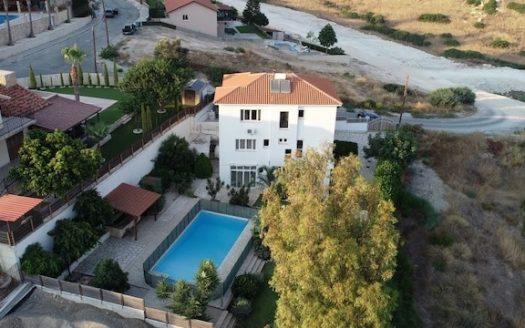 5 bedroom house in Pareklisia