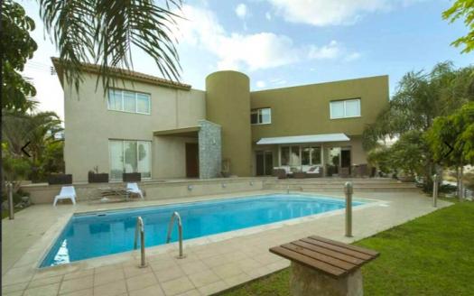 Resale 5 bedroom villa for sale in Agios Athanasios, Limassol