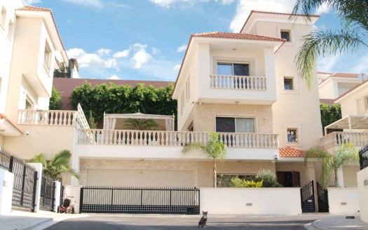 Resale 4 bedroom villa in Moutagiaka, Limassol
