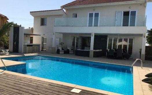4 Bedroom Villa in Parekklisia, Limassol