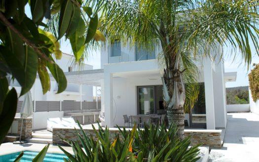 4 Bedroom villa in Governors Beach