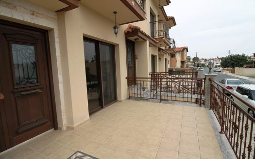 4 Bedroom ground floor house in Kolossi for rent