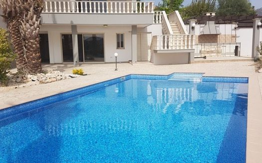 5 bedroom villa for sale in Moni