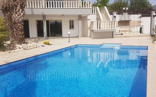 5 bedroom house for rent in Moni