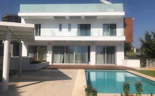 4 bedroom luxury villa in Pyrgos, sea front