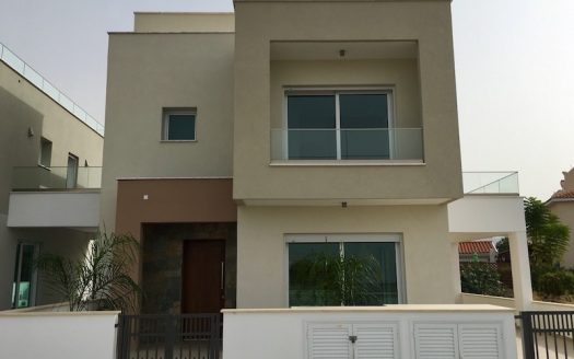 Ready 3 bedroom villa for sale in Konia