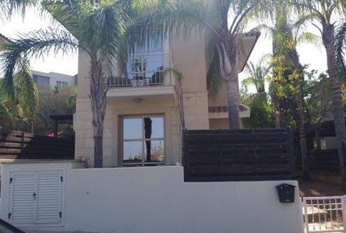 Cozy 2 bedroom house in the prestigious area of Kalogiroi