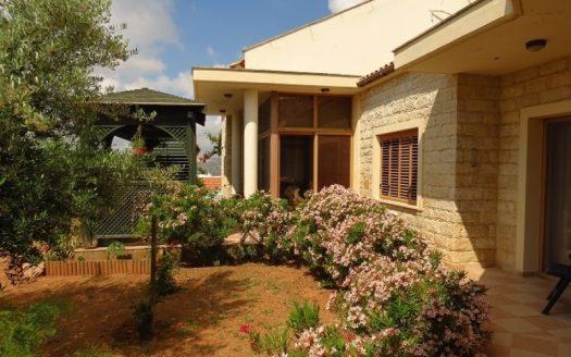 4 Bedroom bungalow in Spitali area