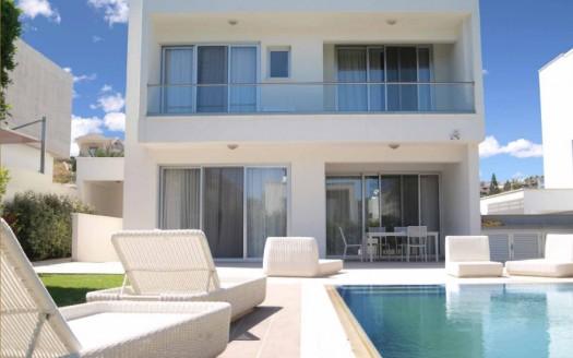 Resale luxury 4 bedroom villa in Mouttagiaka