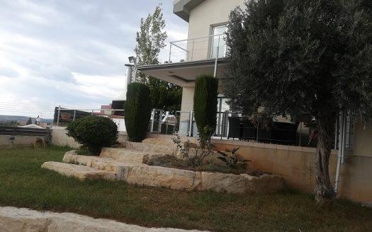 Detached 5 bedroom house in Agia Fyla