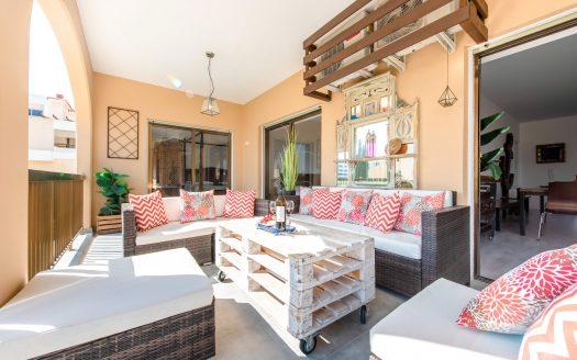 Beautiful 4 Bedroom Apartment in Mouttagiaka Tourist Area