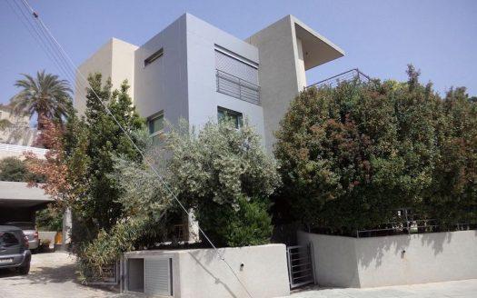 4 plus 1 bedrooms villa for rent in Agia Fyla