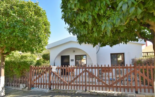 Totally unique detached 2 bed cottage in Pissouri Bay