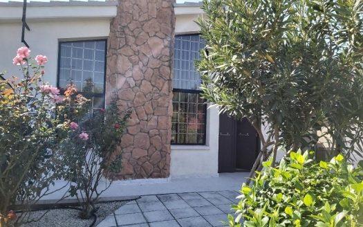 Resale 3 bedroom house + office in Pyrgos