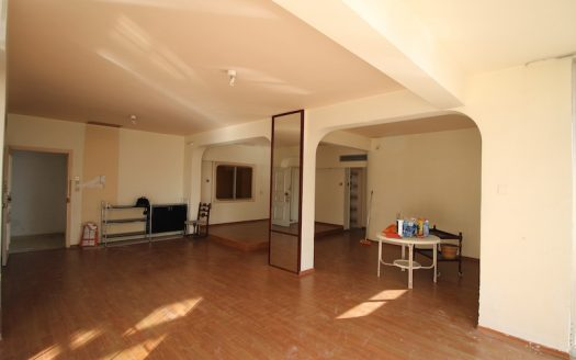 4 + 1 bedrooms apartment in the centre for sale