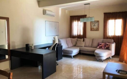 Spacious 1 bedroom apartment on the Sea Front for rent
