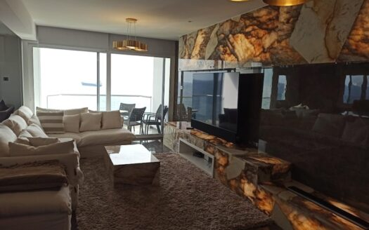 Luxury 3 bedroom penthouse for rent on the seafront