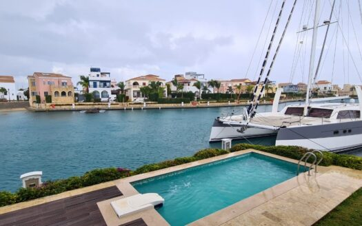 4 Bedroom villa in Limassol Marina for sale