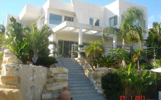 4 bedroom villa for rent in Agios Tychonas
