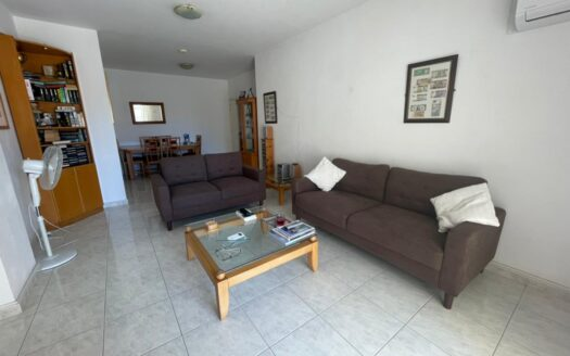 2 Bedroom apartment in Mesa Geitonia for rent