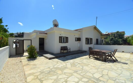 Immaculate Pissouri Bay 2 Bedroom Cottage with large Garden Terraces