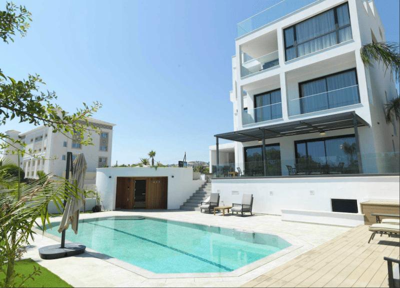 Luxurious Sea Front 4 Floor 6 Bedroom Villa - St. Raphael Area