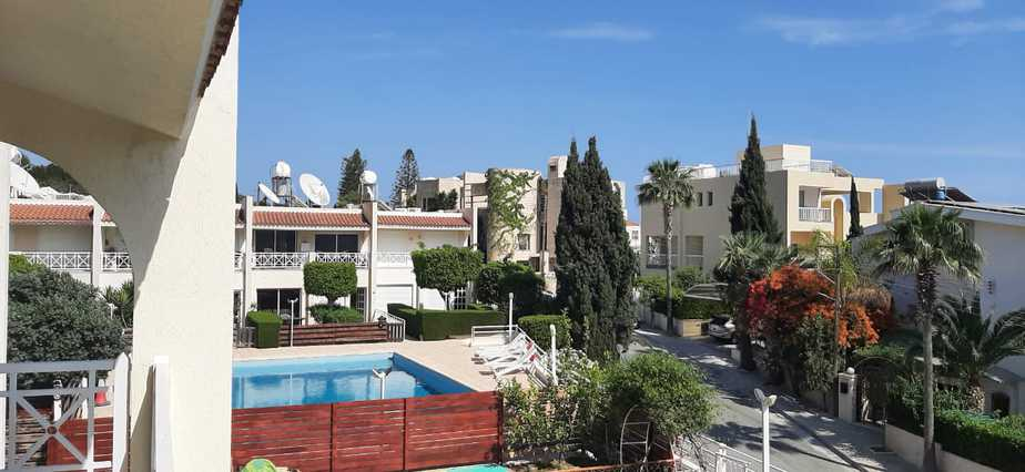 2 Bedroom Maisonette for rent in Agios Tychonas sea front