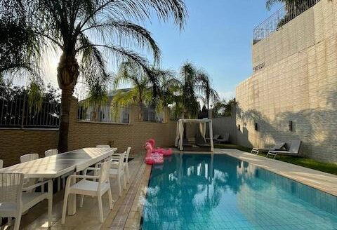 7 bedroom villa for rent in Agia Fyla