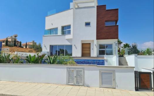 Modern 3 bedroom villa for rent in Kalogiroi