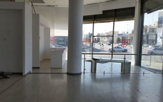 Corner showroom available for rent in the centre