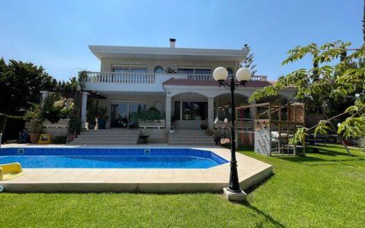 5 bedroom villa for rent in Agios Tychonas