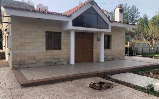 Houe in Pera Pedi for rent