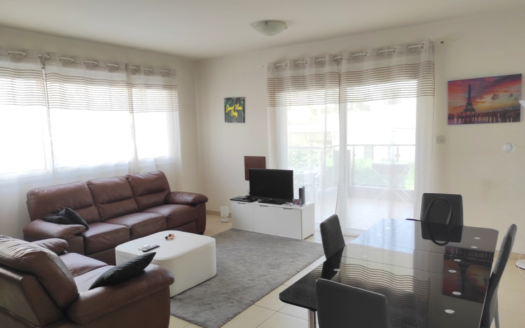 Resale 2 bedroom apartment for sale in Neapolis